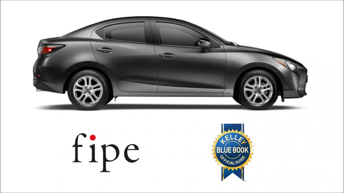 Carros usados com a lateral direita em detalhe junto da logomarca da Fipe e KBB
