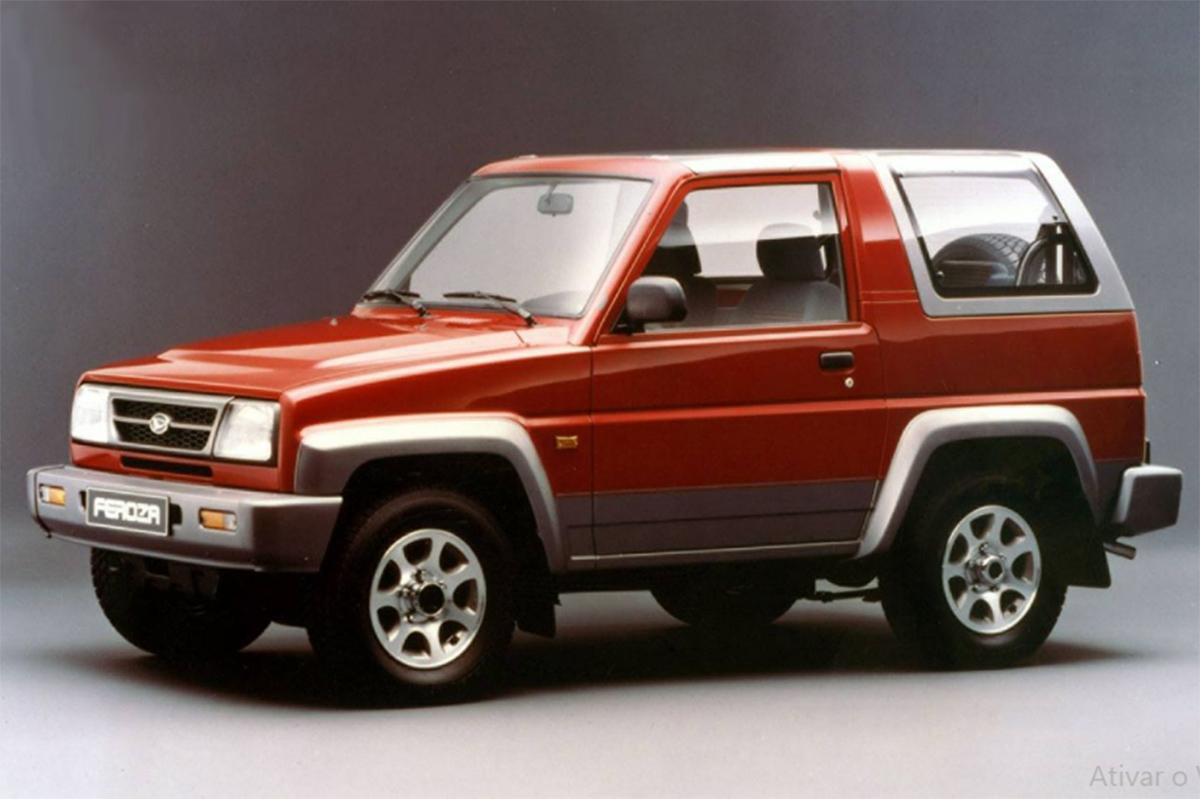 carros japoneses: daihatsu feroza vermelho frente