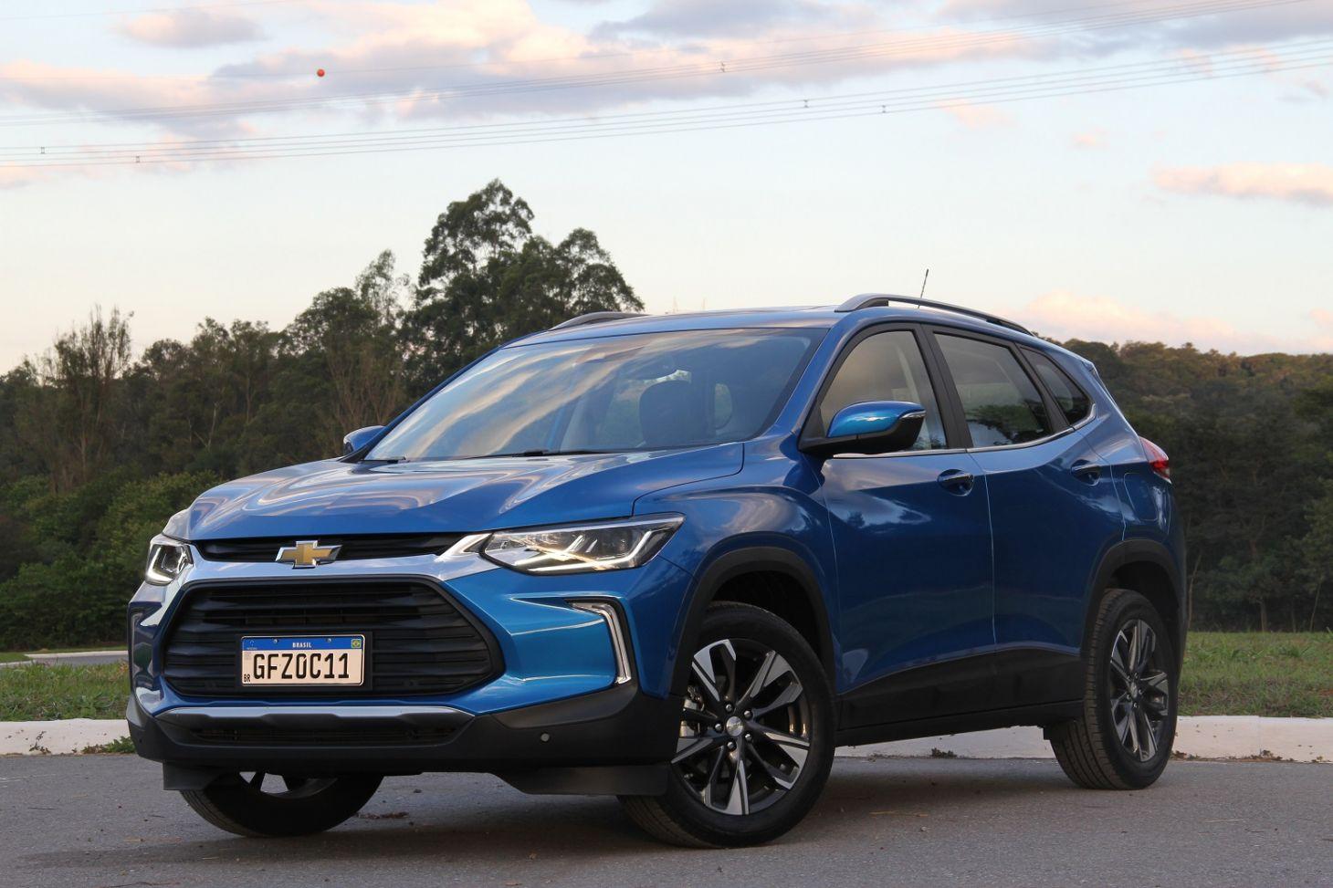 chevrolet-tracker-premier-2021-azul-de-frente Como é a desvalorização dos 20 carros mais vendidos do país?