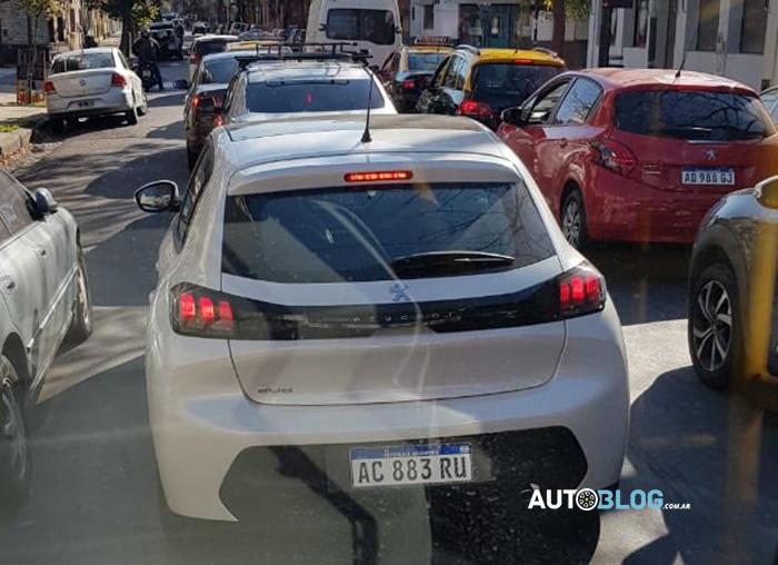 novo peugeot 208 traseira flagra argentina