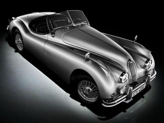 jaguar xk 120 cinza de frente