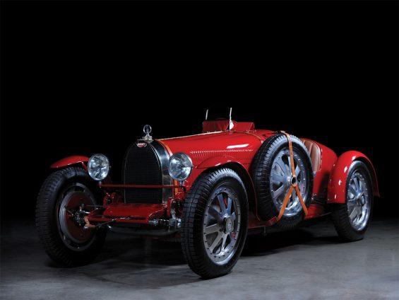 bugatti 35b vermelho de frente