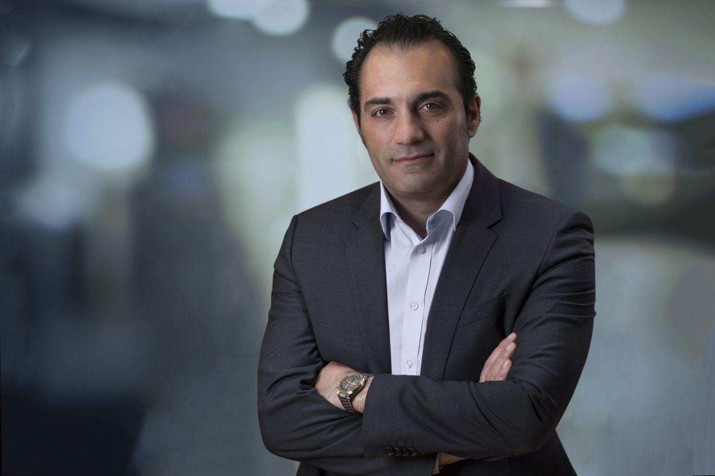 antonio filosa, da fca, fala sobre as perspectivas para o mercado brasileiro em entrevista