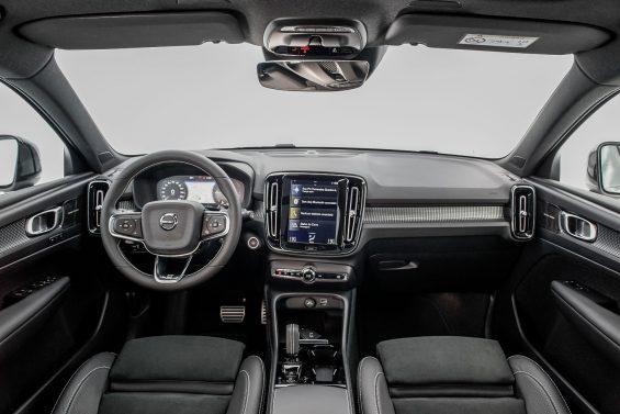 Volvo XC40 Plug-In Hybrid R-Design painel