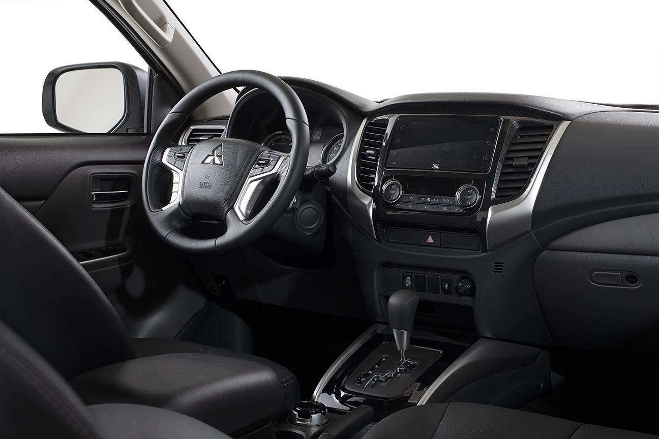 mitsubishi l200 triton outdoor hpe s painel interior