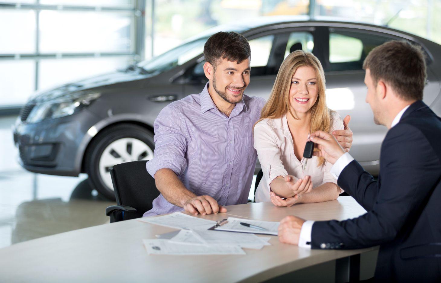 comprar carro shutterstock