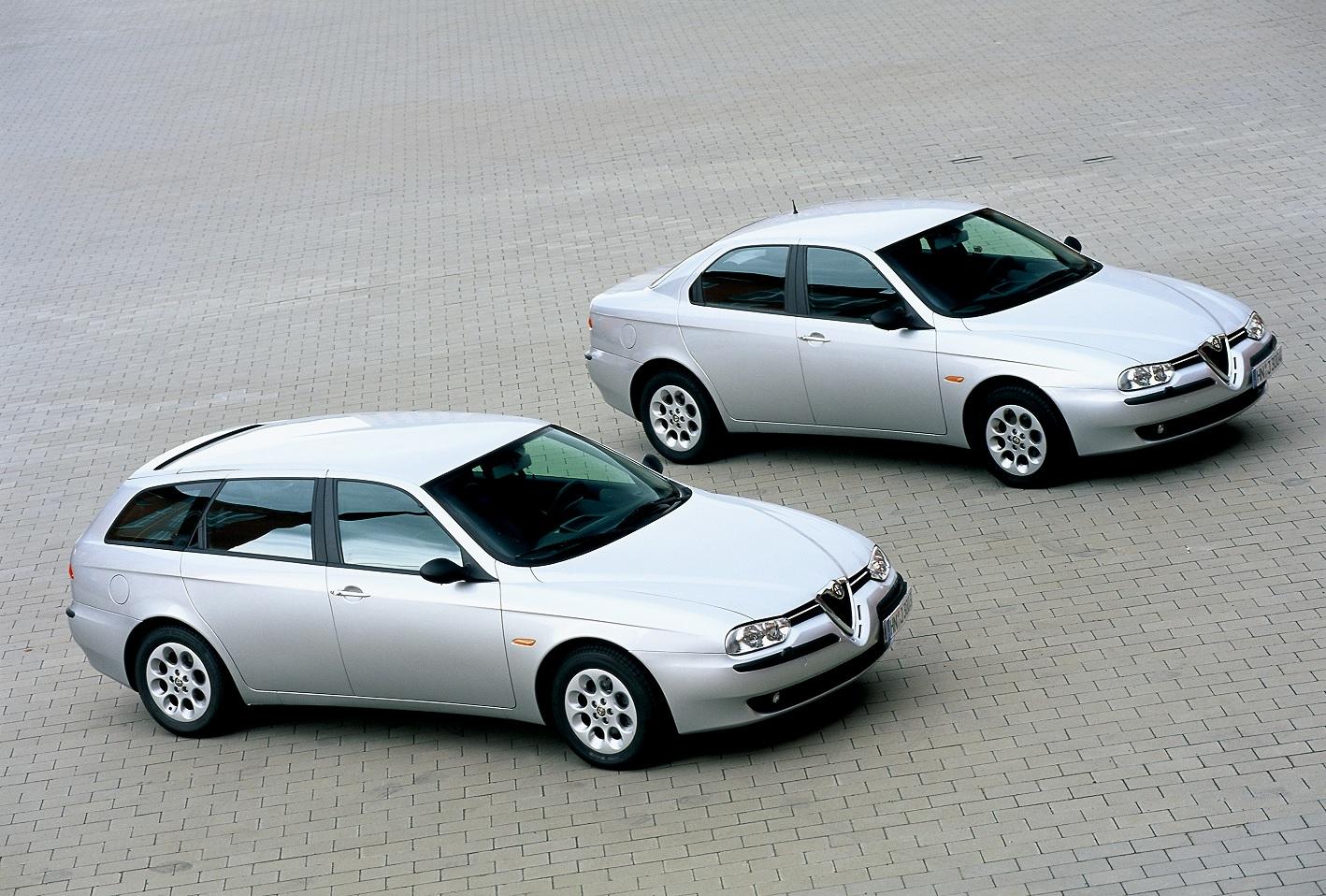 alfa romeo 156 sedan e sportwagn prata frente