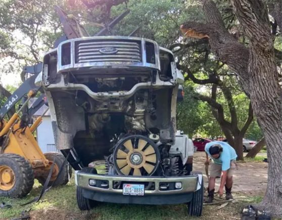 picape ford cabise separada do chassi do veiculo