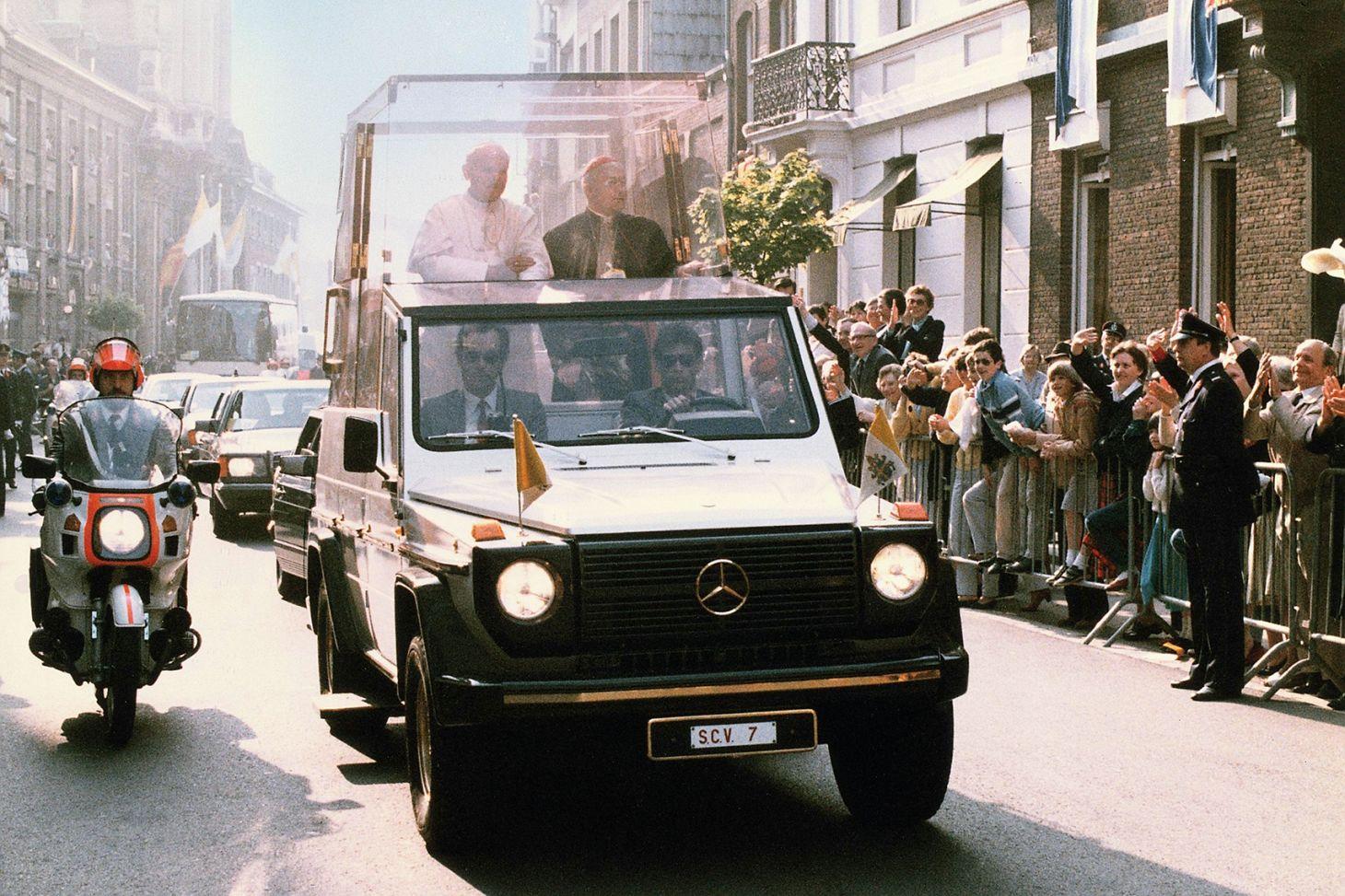 papamovel mercedes classe g visita papa alemanha 1980