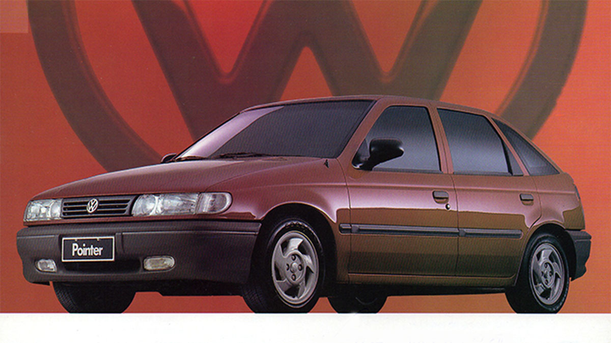 carros volkswagen logus vermelho de frente