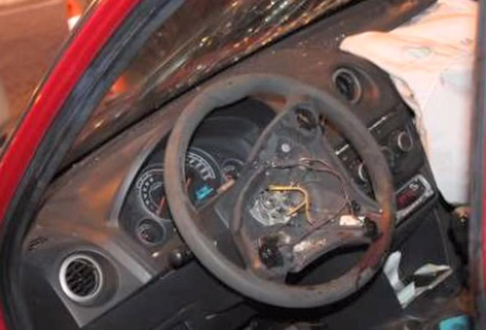 voltante do chevrolet celta com airbag takata apos acidente fatal