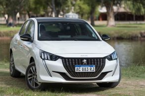 Novo Peugeot 208 chega em setembro ao Brasil repleto de novidades