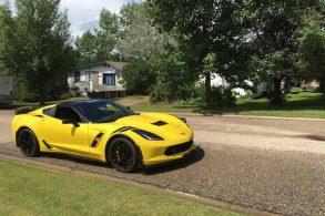 Homem recupera visão e realiza sonho ao comprar um Corvette