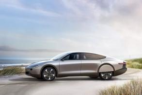Carro movido a energia solar é promessa para o ano que vem