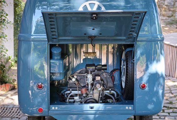 kombi 1950 azul motor 1 2 a mais antiga do mundo pertencente a volkswagen