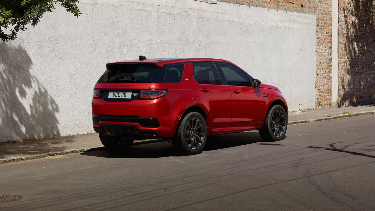 land rover discovery sport traseira