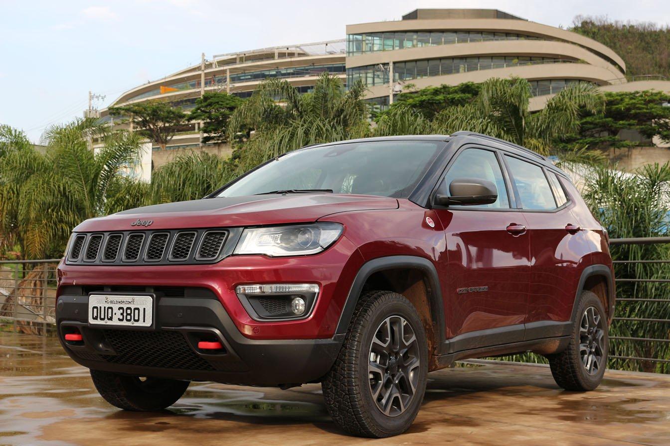 jeep-compass-trailhawk-diesel-4x4-frente Como é a desvalorização dos 20 carros mais vendidos do país?