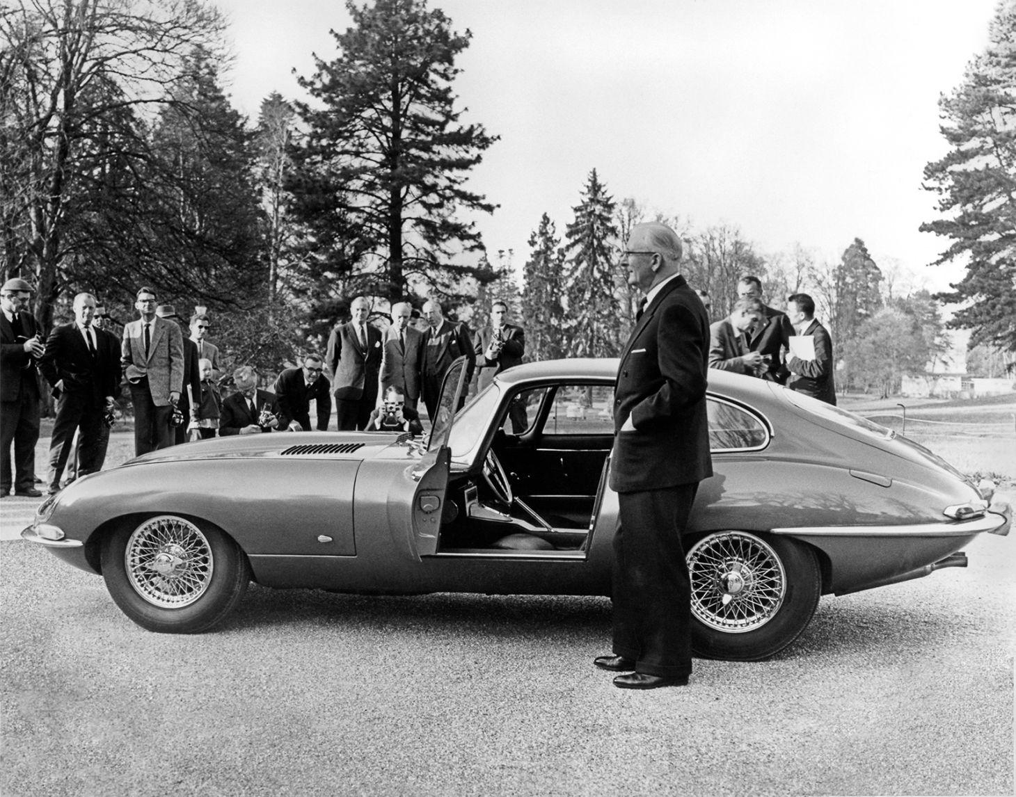 jaguar e type 1961 genebra 9600hp williamlyons