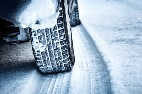 Dirigir na neve: confira dicas para aproveitar a frente fria no Brasil
