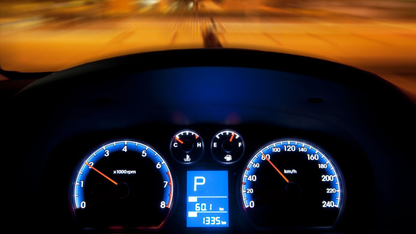 painel carro instrumentos conta giro velocidade