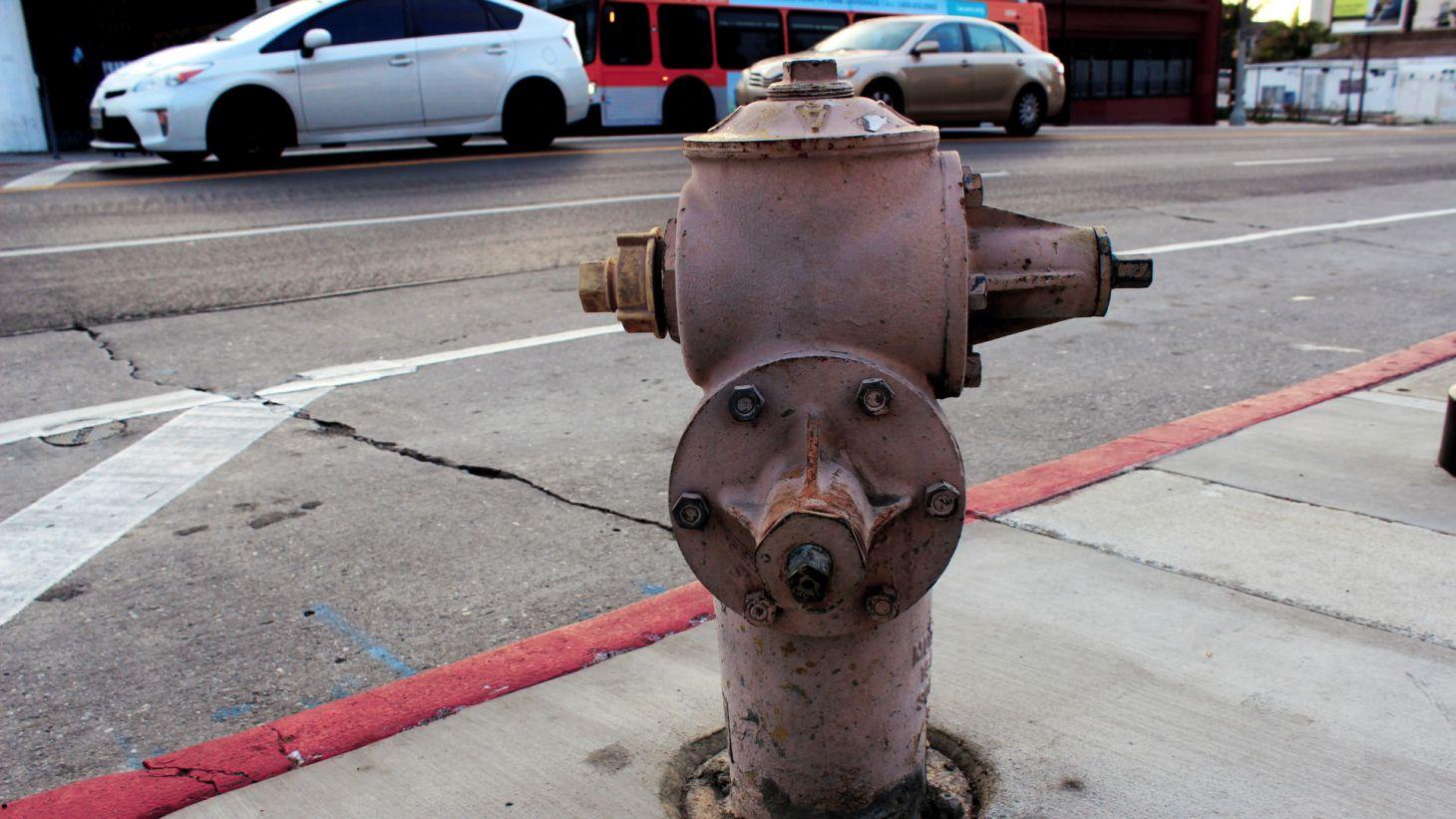 estacionar carro perto hidrante corpo bombeiros multa reboque