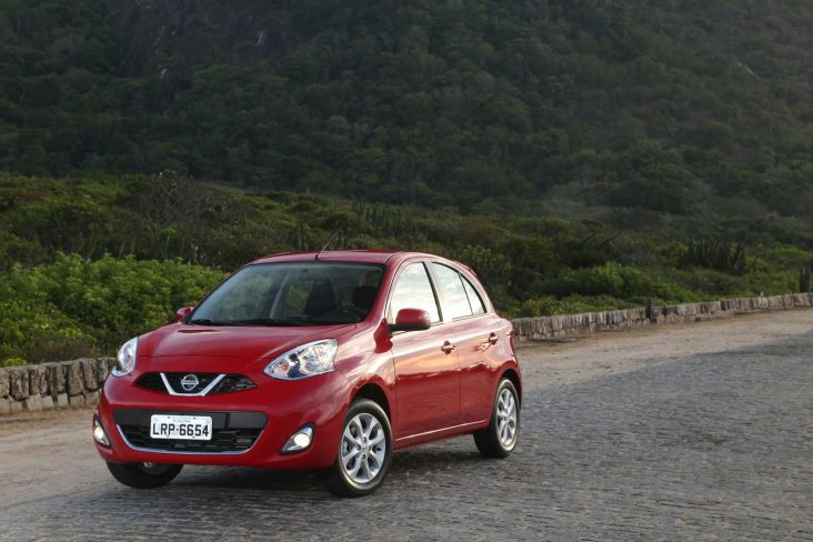 nissan new march 3 cilindros hatch