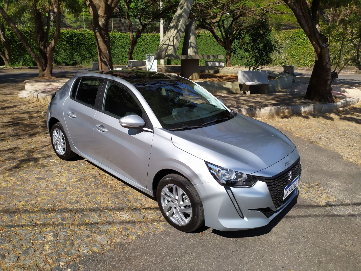 Peugeot 208 Active 1.6 AT6