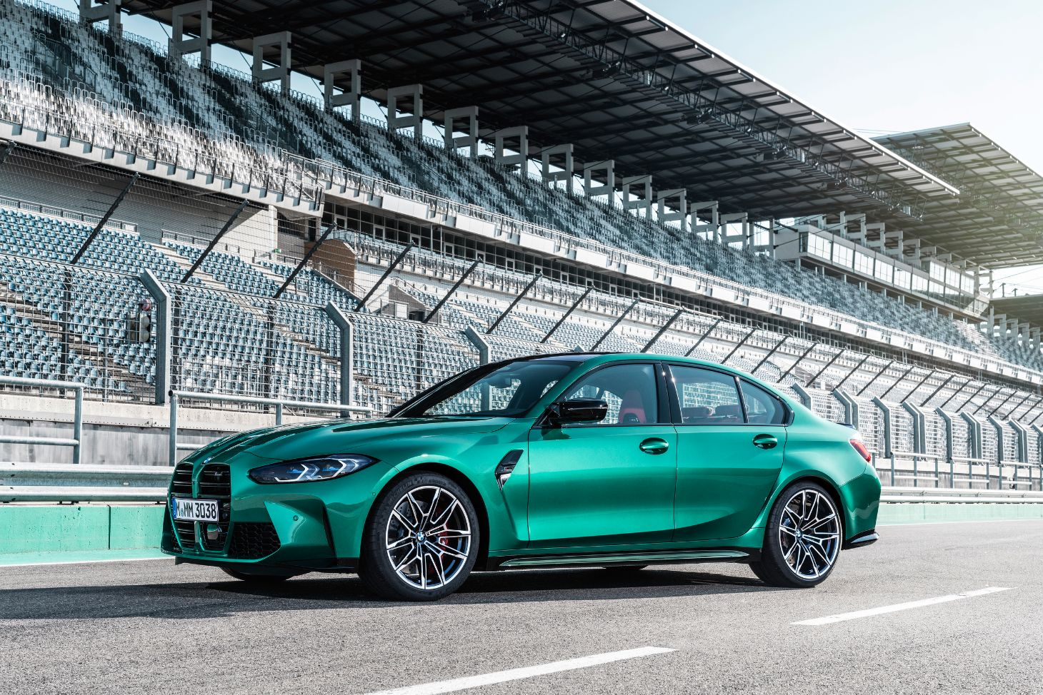 lateral do bmw m3 sedan verde