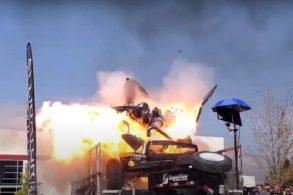 [VÍDEO] Picape explode tentando atingir 3.000 cv em exibição