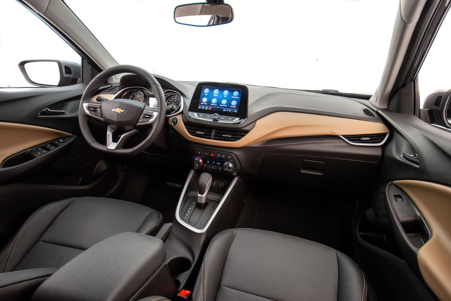 interior do chevrolet onix 2021 premier com central multimidia de 8 polegadas 1