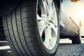 Viajar num Corolla 2009 com pneus originais?