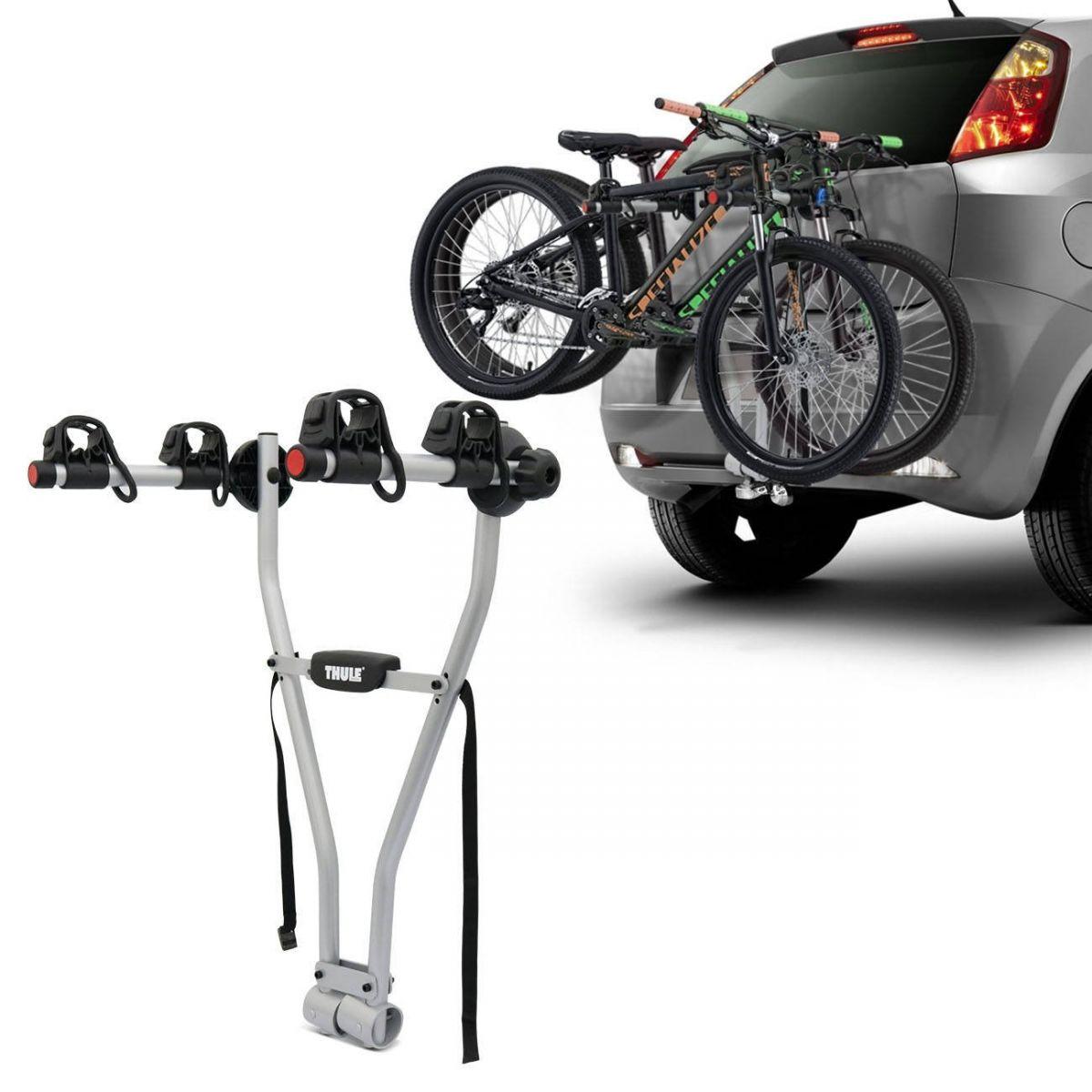 suporte para bicicleta traseiro encaixado no engate com duas bikes em um fiat punto