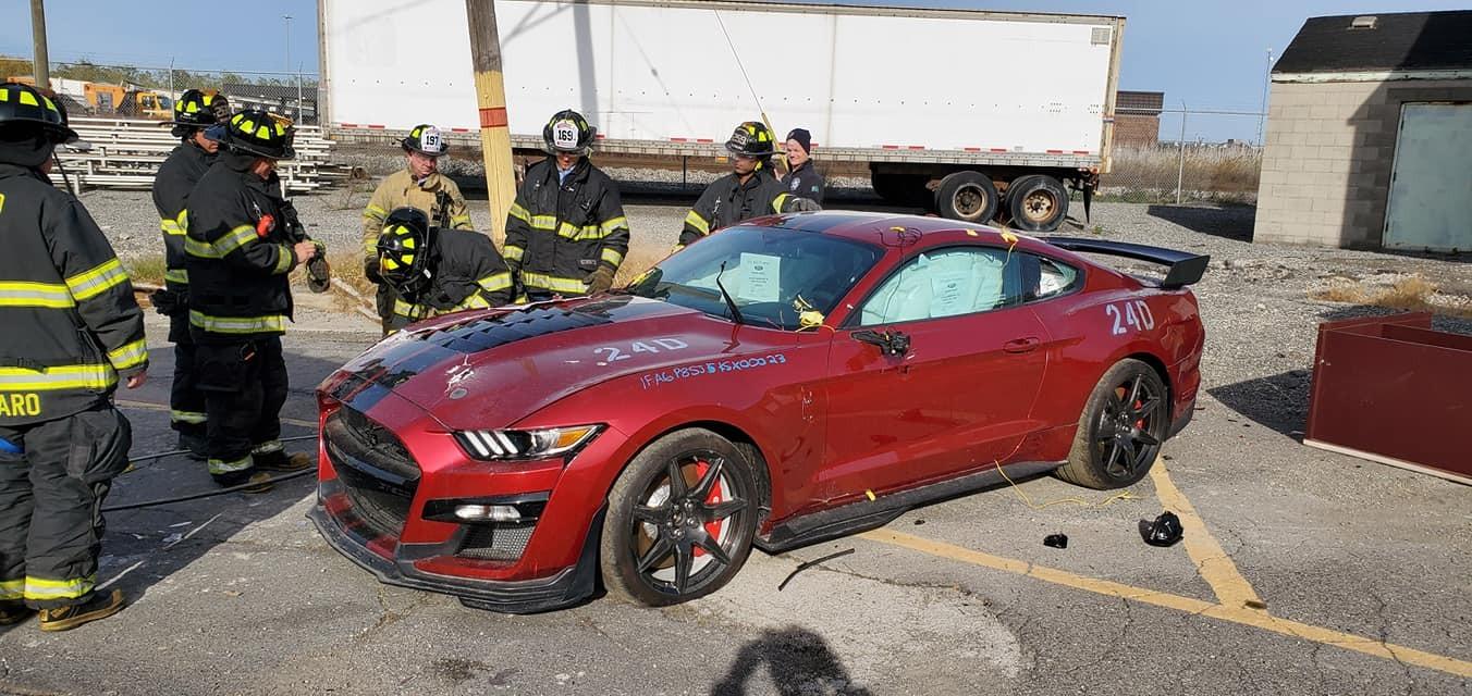 mustang shelby gt500 vermelho corpo bombeiros dearborn