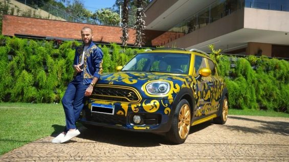 Carro de Daniel Alves
