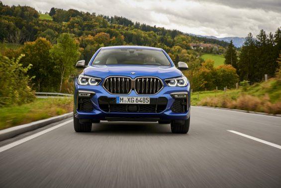 novo bmw x6 azul de frente
