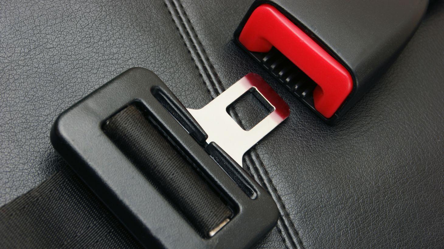 cinto de seguranca carro automovel takata recall em cima bancos