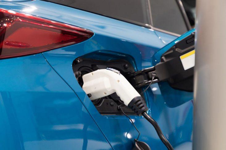 carro eletrico sem bateria recarga estacao