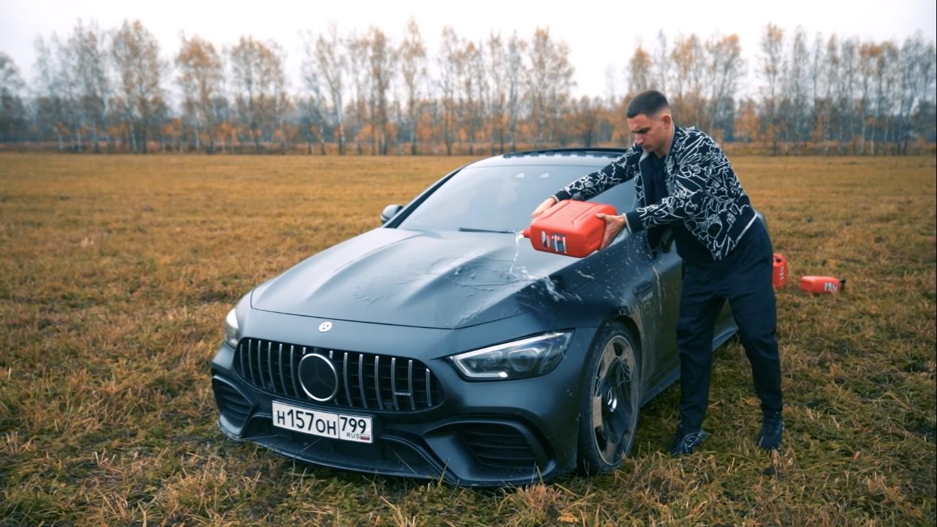 mercedes benz amg gt 63 s coupe russo colocando fogo