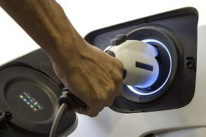 Chevrolet só produzirá carros elétricos a partir de 2035