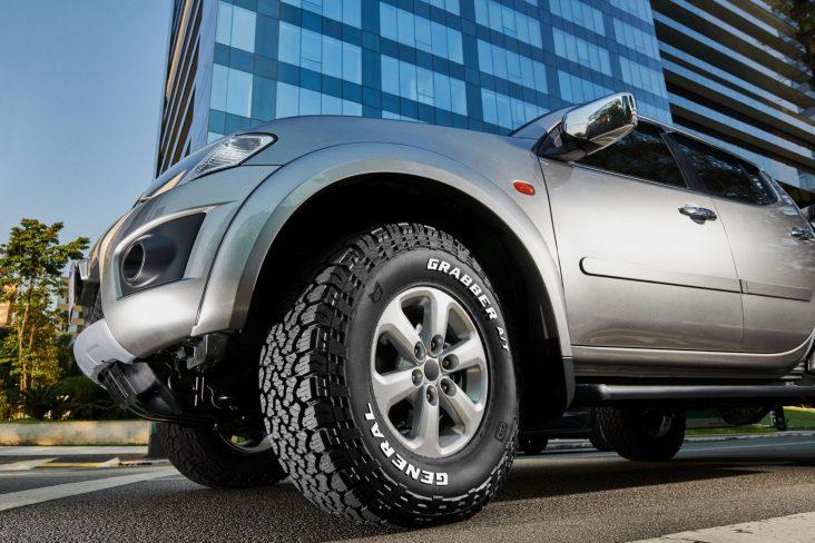 pneu general tire continental at 2 grabber montado picape roda dianteira esquerda