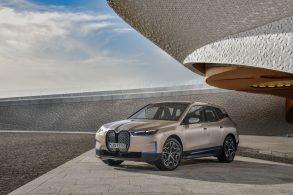 iX, primeiro SUV puramente elétrico da BMW, chega em 2021