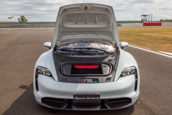 porsche taycan turbo s motor eletrico