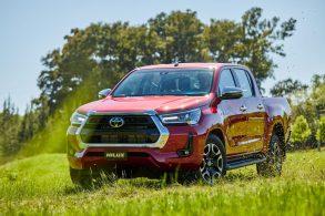Toyota Hilux 2021 recebe reestilização e motor a diesel mais potente