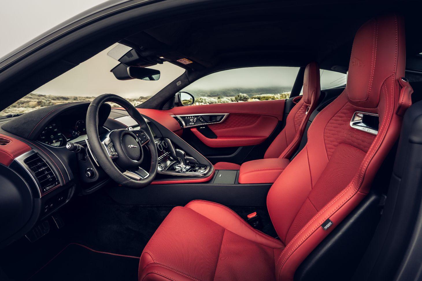 bancos e volante do jaguar f type p300 2021 coupe