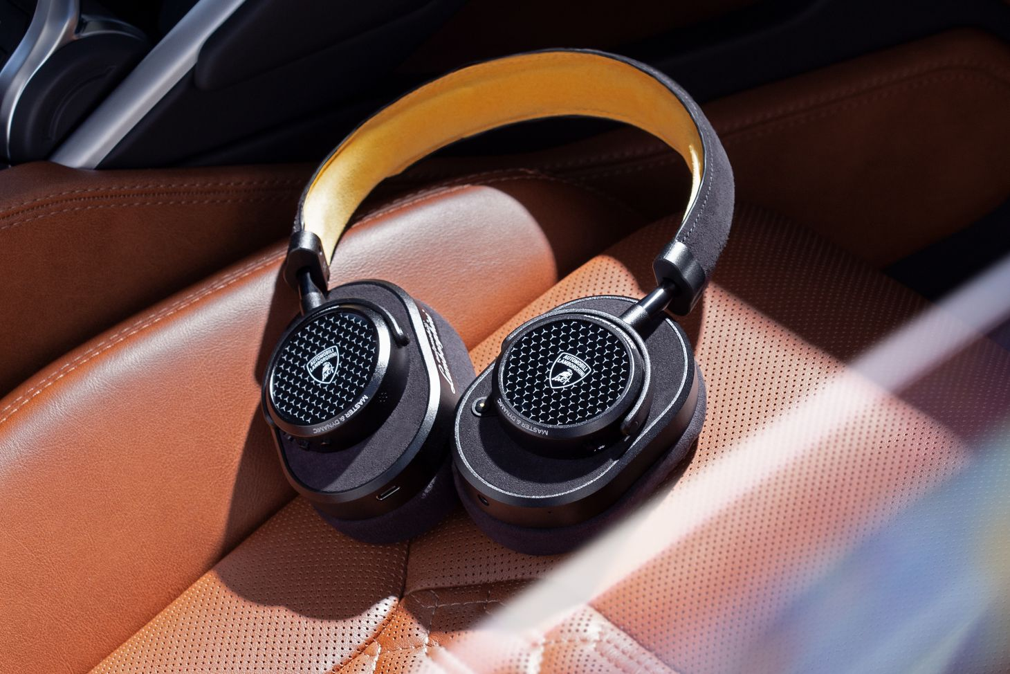 fones de ouvidos lamborghini 6