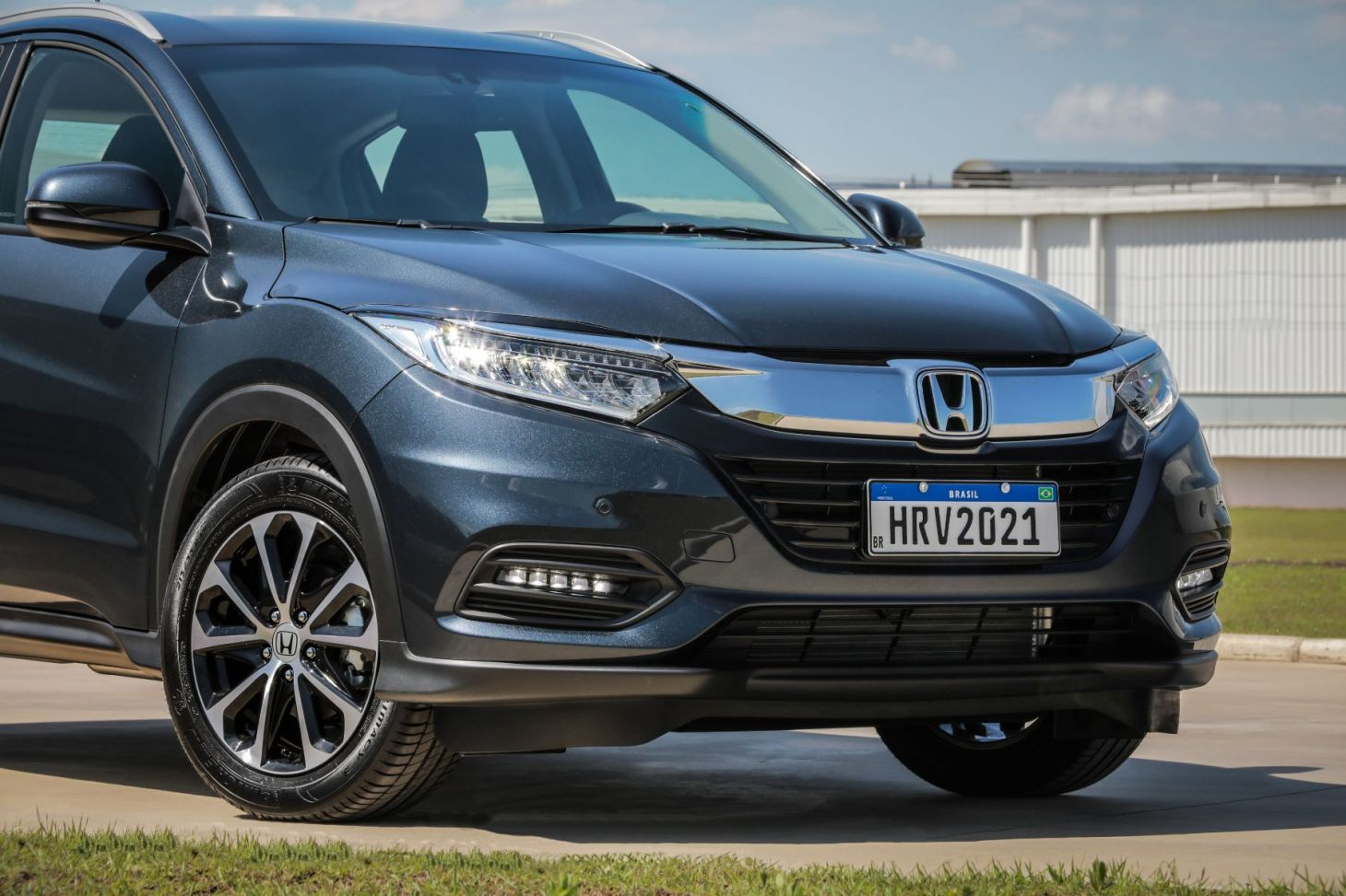 grade e farois do honda hr v 2021