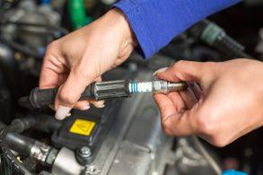 O motor está falhando? Antes de fazer limpeza de bicos, verifique as velas