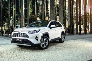 [Vídeo] Toyota RAV4 é reprovado no 'teste do veado', mas cadê o recall?