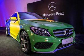Mercedes tropeça duas vezes na mesma pedra