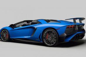 [Vídeo] Motorista de Fiesta bate na traseira de Lamborghini Aventador e foge